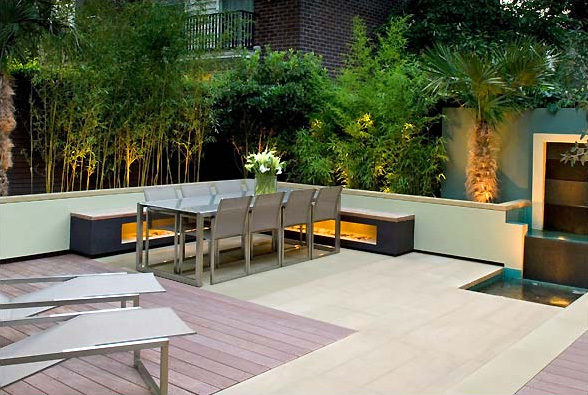 Small Garden Patio Design Ideas 588 x 395