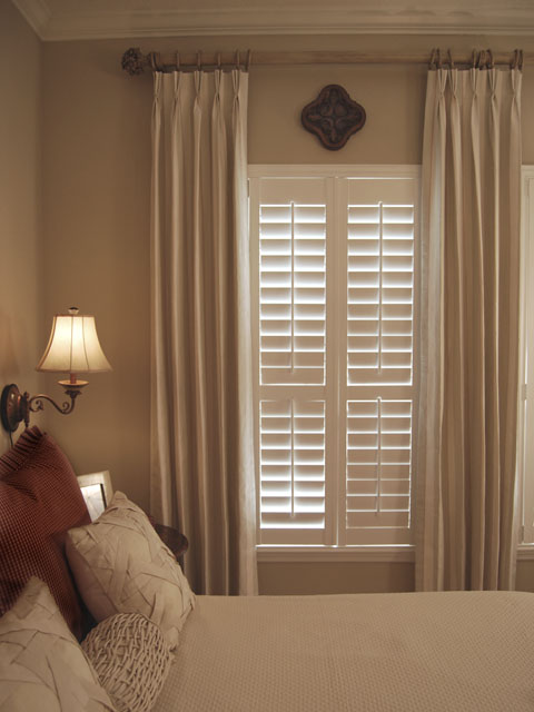 Bedroom window: using blinds for privacy | Kris Allen Daily