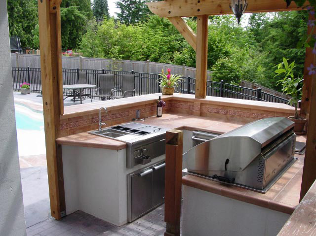 Outdoor kitchens kris allen daily for Small backyard outdoor kitchen