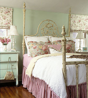 Vintage bedroom for classic look