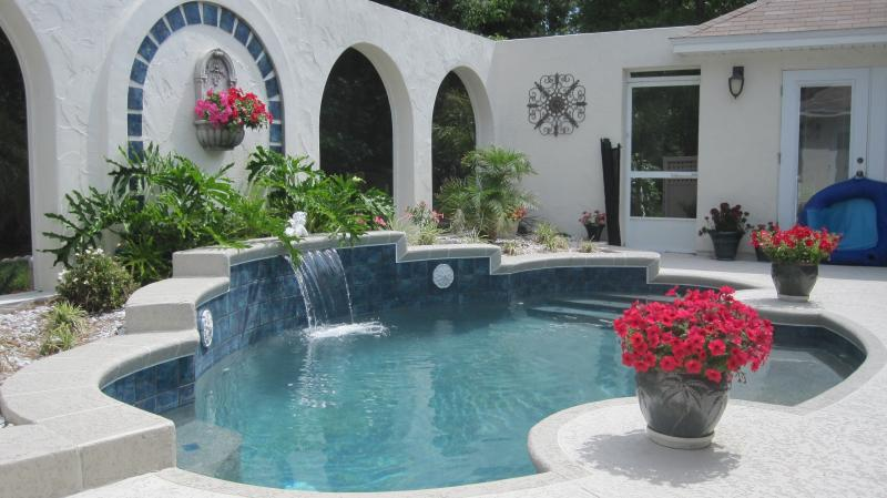 patio designs with jacuzzi