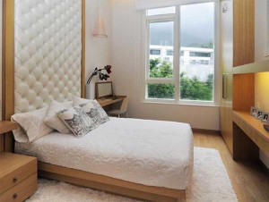 keeping a small bedroom clean