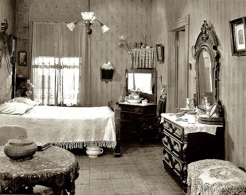 Vintage bedroom for classic look   Kris Allen Daily